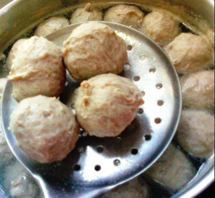 ~Mommy Khoo's Kitchen Diary ~邱妈咪的厨房记事本: 详细的脆口猪肉丸/贡丸做法/Bouncy Pork Ball