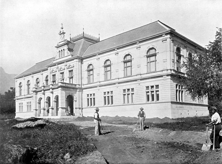 The South African Museum, Cape Town | The Museum was founded in 1856 during the Governorship of Sir George Grey, chiefly to the exertions of Sir T. Maclear, Dr. Patte, Mr. C. A. Fairbridge, and the first curator, Mr. E. L. Layard. The present building, recently erected, to which the collections were transferred in January 1897, is situated at the top end of the Municipal Gardens in Cape Town ; the collections are chiefly zoological, geological and anthropological.