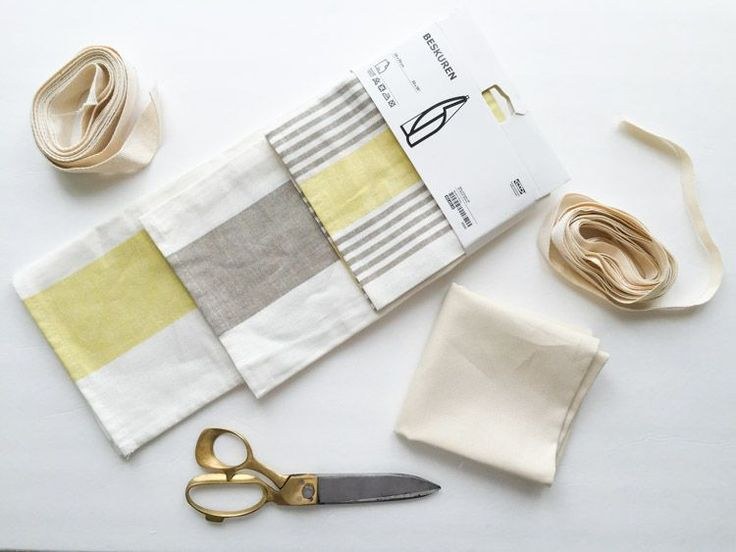 Turn any dish towel into a simple, darling kid-sized apron for your little kitchen helper! Full Dish Towel Apron DIY!