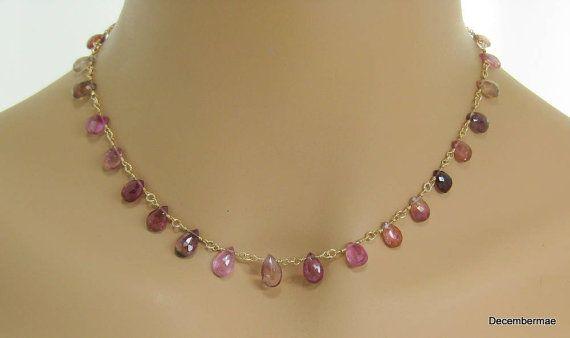 Collar de turmalina rosa Briolette en oro por DecemberMae en Etsy