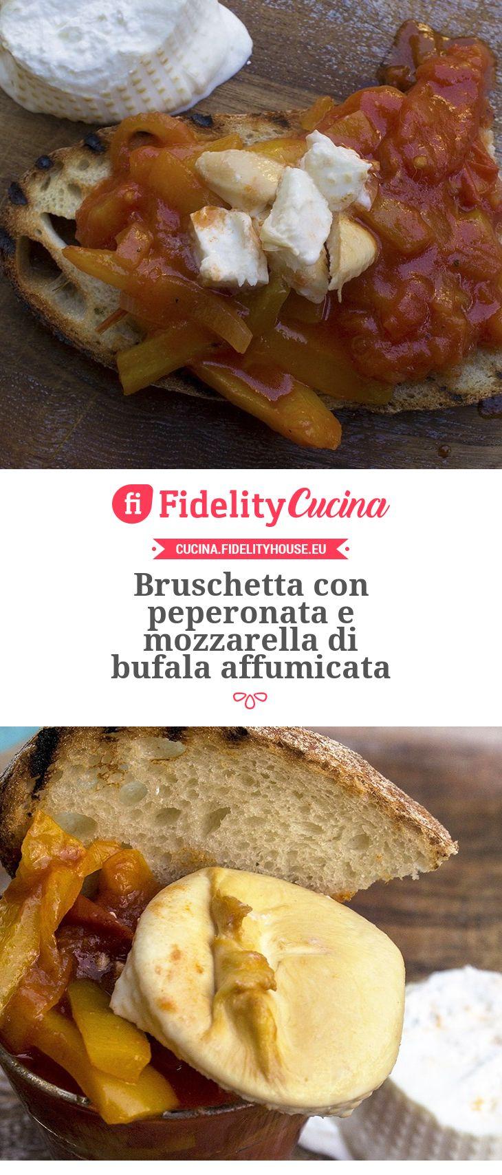 Bruschetta con peperonata e mozzarella di bufala affumicata