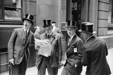 E.O. Hoppé: Outside the Stock Exchange, London, 1937