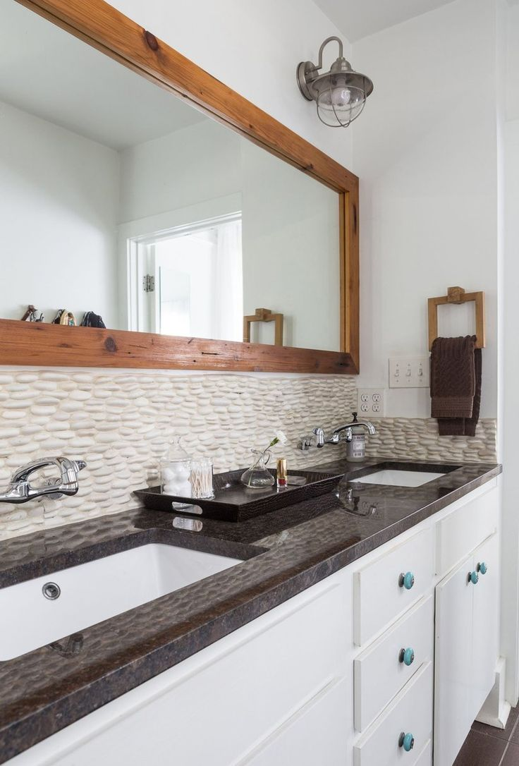 Ideas 10 bathrooms with beadboard wainscoting apartment therapy - Tiffany S Modern Meets Sentimental In New Orleans Bathroom Designsbathroom