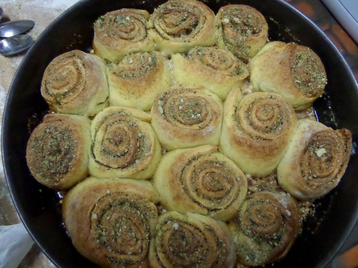 Madhouse Family Reviews !: Madhouse recipe : Cinnamon Maple Sticky Buns