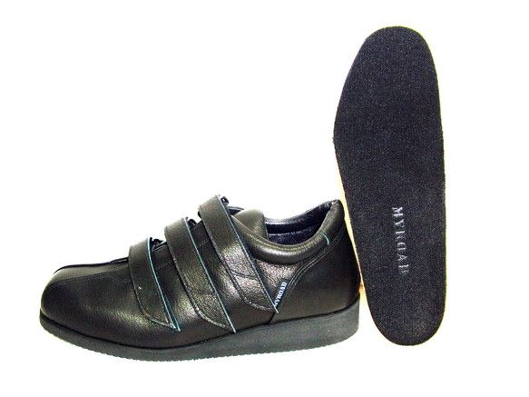 ランニング機能性をウォーキングバージョンに取り入れています!マイロードスタンダードインソール標準装備!ベビー~パンプス~登山靴まで、様々な種類の靴をオールハン...|ハンドメイド、手作り、手仕事品の通販・販売・購入ならCreema。