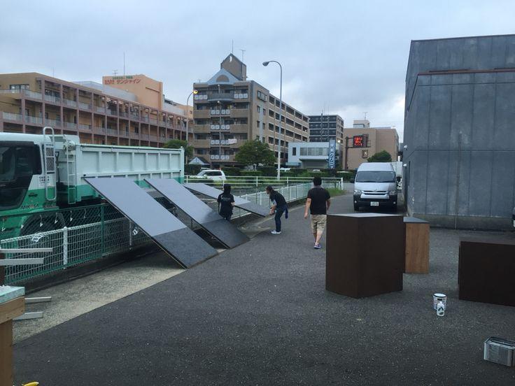 《 その1》皆さん、おはようございます。 一昨日〜昨日にかけて、福岡店舗は資材ディスプレイを大幅に変更‼️ staffも寮に泊まりで頑張ってくれました。