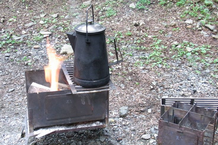 "UNIFLAME ""camp kettle"" with sho's ""A-4 kun"""