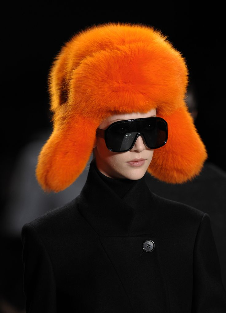 Orange hat,michael-kors-fall-runway-09-