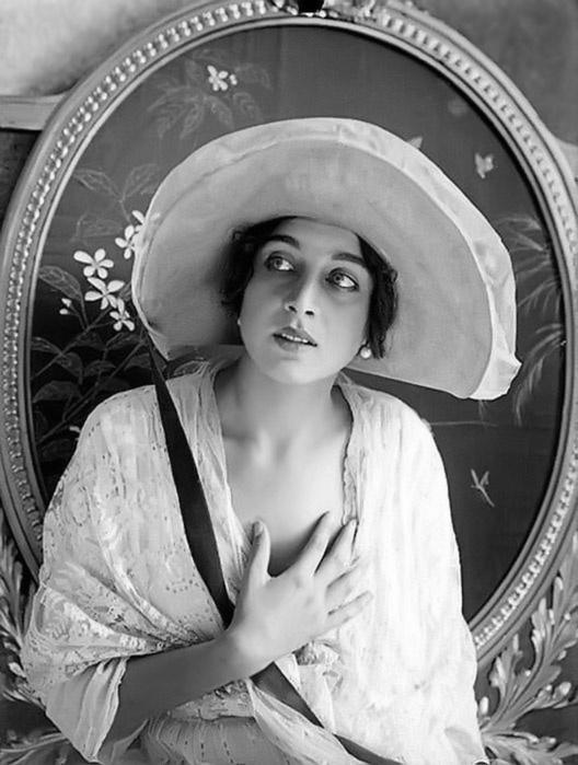 ХОЛОДНАЯ ВЕРА ВАСИЛЬЕВНА-Russian actress Vera Holodnaya 1893-1919