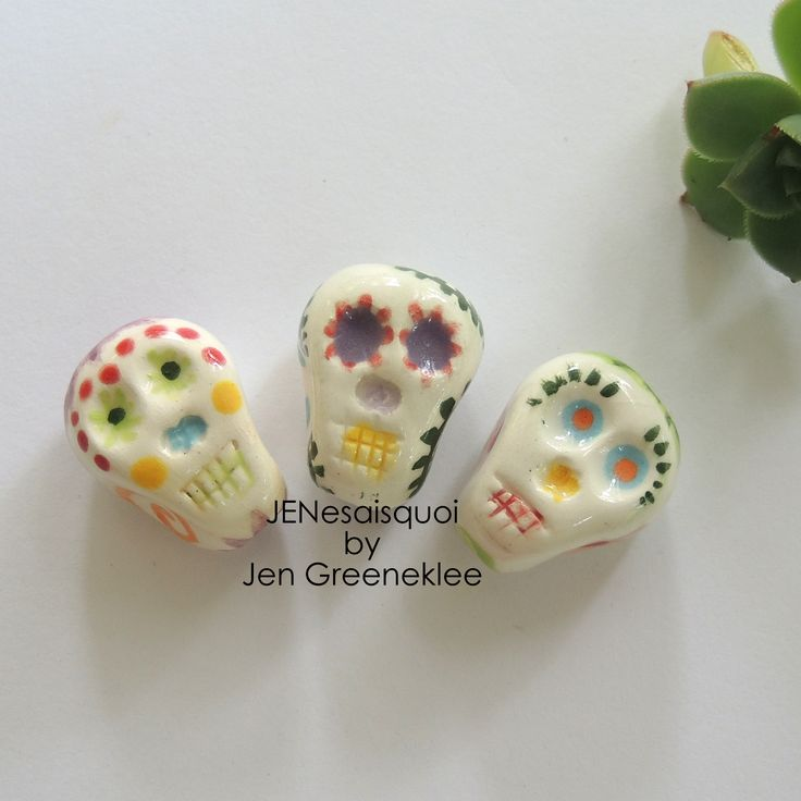 Ceramic - Hand painted Mexican skull beads