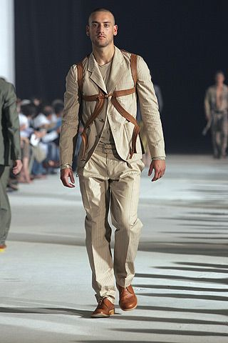 Alexander McQueen | Spring 2005 Menswear Collection | Style.com  Another neat top I would love to have