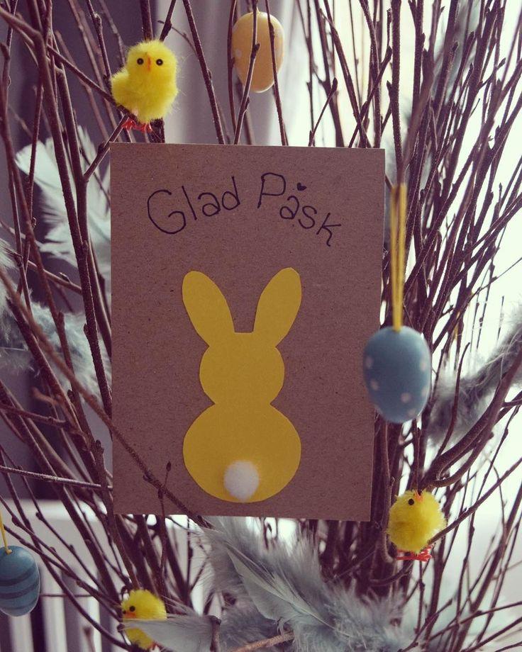 """1 Me gusta, 1 comentarios - emmaljunggren@live.se (@parlemoremma) en Instagram: """"Glad påsk 🐥🐣🐰💛 #gladpåsk #påsk #påskkort #kort #eastercard #kanin #påskris #diy #pyssel #barnpyssel…"""""""
