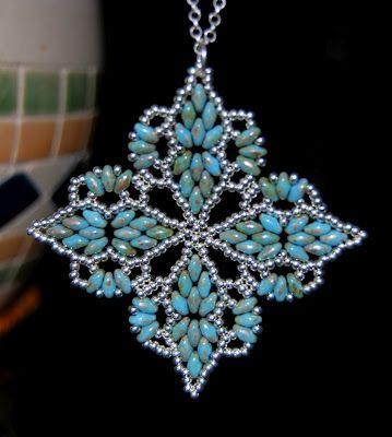 Perline e cristalli di Nadia: Ciondolo Wave