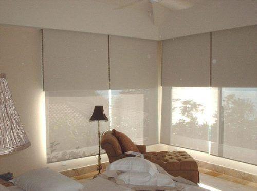 Las cortinas dobles de sistema Roller Black out/Sun screen son la mejor solución que combina la necesidad de ejercer un control total sobre la luz exterior (black out), sin prescindir de la luminos…