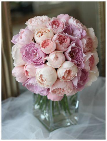 アプリコットピンク〜薄いパープルのイングリッシュローズをぎゅっと束ねた贅沢なブーケ。 pink,purple,English rose,bouquet