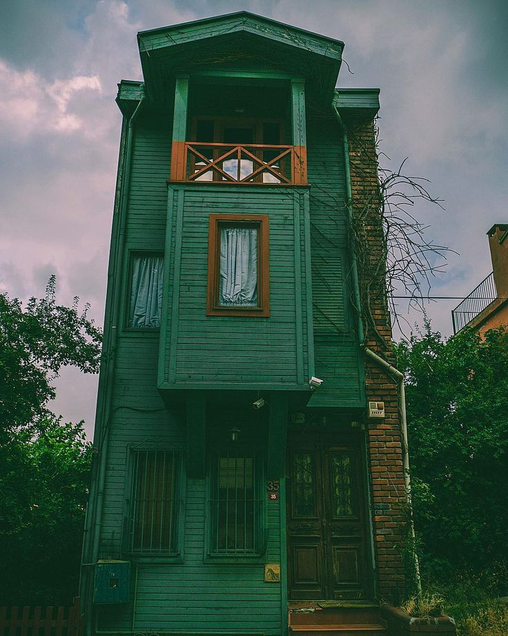 #woodenhouse in Kuzguncuk, Istanbul, Turkey // Photography Serhat Güzel - (@serhatgzel) - Instagram photo