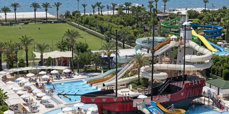 Concediu de vara la mare pe litoral in Turcia la Hotel Titanic Beach de 5 stele din Antalya Lara