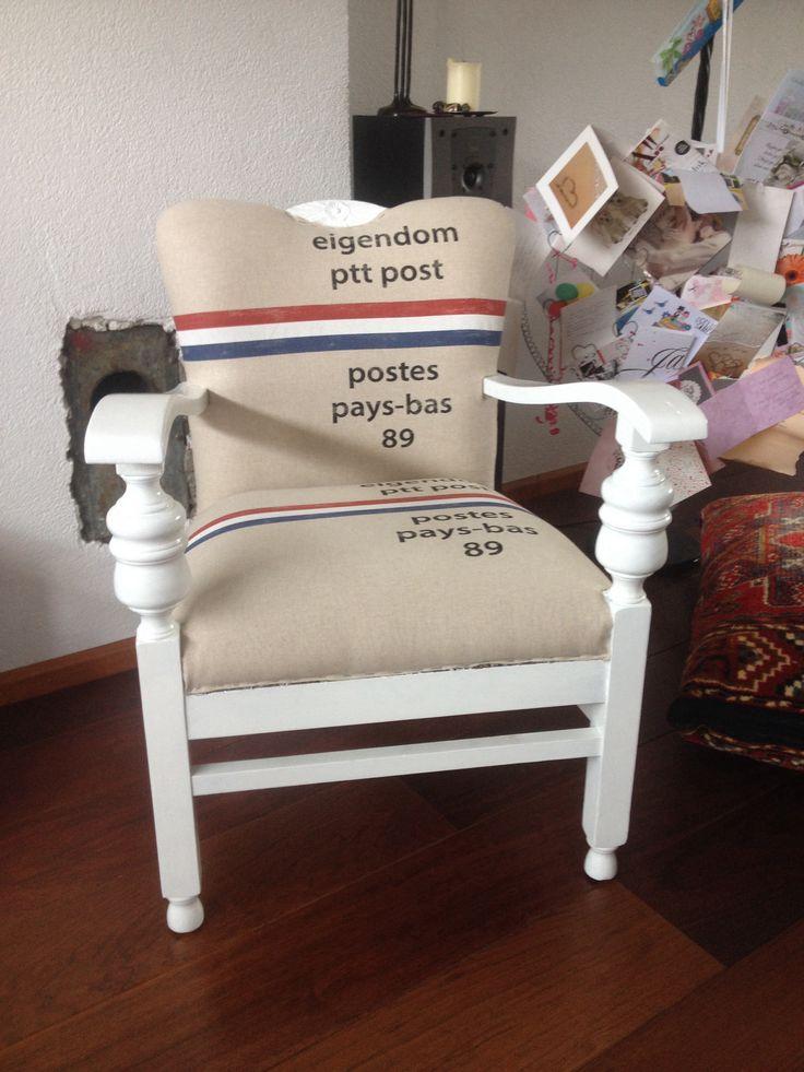Opgeknapt! Met mat witte verf 2 lagen. Nog klein beetje afwerken.. Volgende pin zijn de 2 stoelen!!