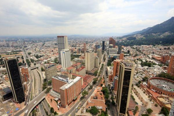 Es el centro de Bogotá, Colombia. Tiene muchos calles.
