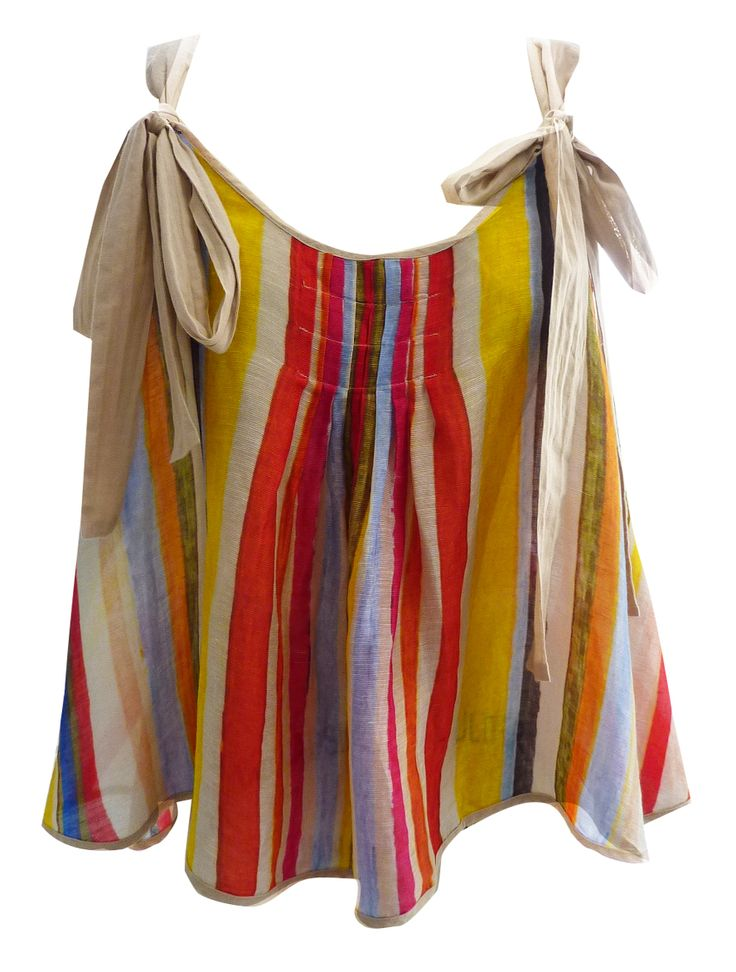 Maud Dainty - Butterfly Top