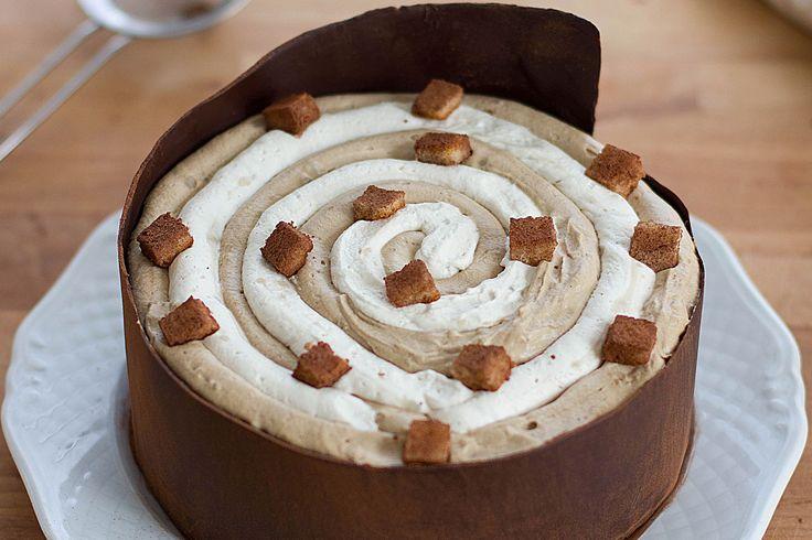 La torta tiramisù senza lattosio e senza uova è un dolce che sorprenderà tutti i vostri ospiti e che vi garantirà un grande successo. Ecco la ricetta