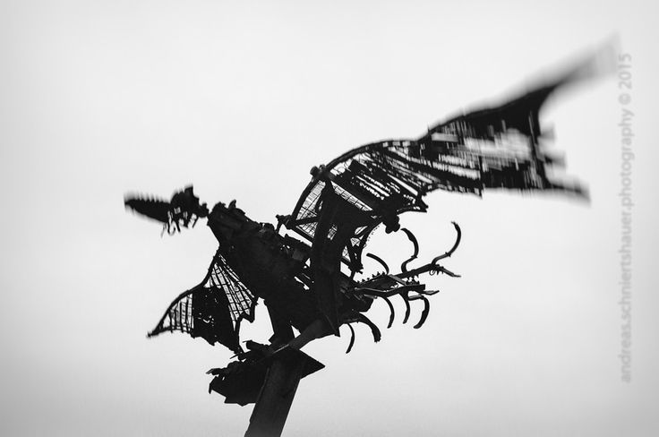 https://flic.kr/p/xVPNRL   Analogue Bird   Photograph © Andreas Schniertshauer, Analogue Bird; From the series: retro vintage photography, Köln, GER 2014.