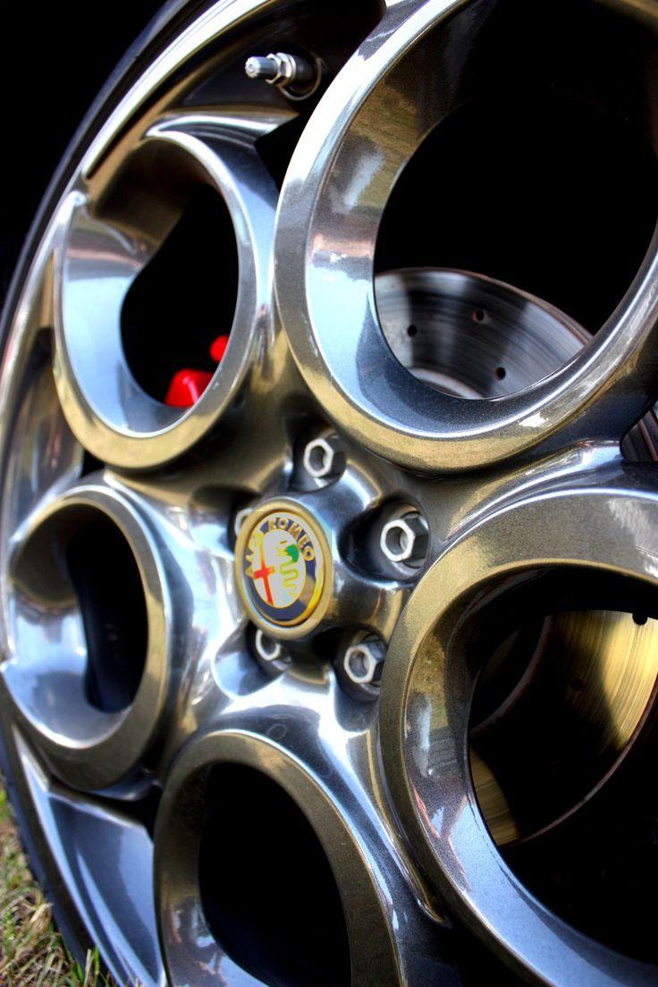 Alfa 4C wheel