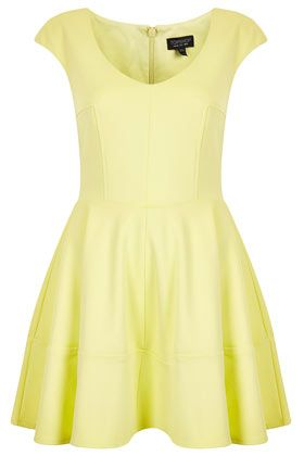 This @Topshop yellow ribbed V-front skater dress is perfect for the summer $100, get it here: http://rstyle.me/~lLrc: Colour, Topshop Yellow, Lemon Sundresses, Topshop Uk, Style, Sundresses Asos, Closet, Skater Dresses, Topshop Ribs