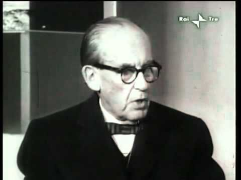 "Walter Gropius interviewed by Emilio Garroni within the exhibition ""Bauhaus"", with a critical note by Bruno Zevi, 1961."