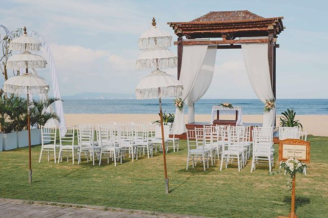 WEBSTA @ botanicaweddings - As our Founder says, ceremony by the beach not on the beach ✨ #botanicaweddings