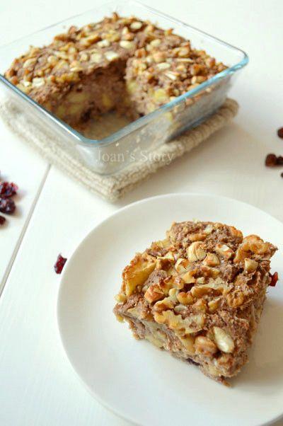 Appeltaart Baked Oats  Glutenvrij  - Deze is om te smullen! Het smaakt niet te zoet en een beetje naar speculaaskoek. Naar een recept van Rens Kroes http://www.foodless.nl/recepten/glutenvrij-havermoutpotje/ http://www.renskroes.com/oat-go/