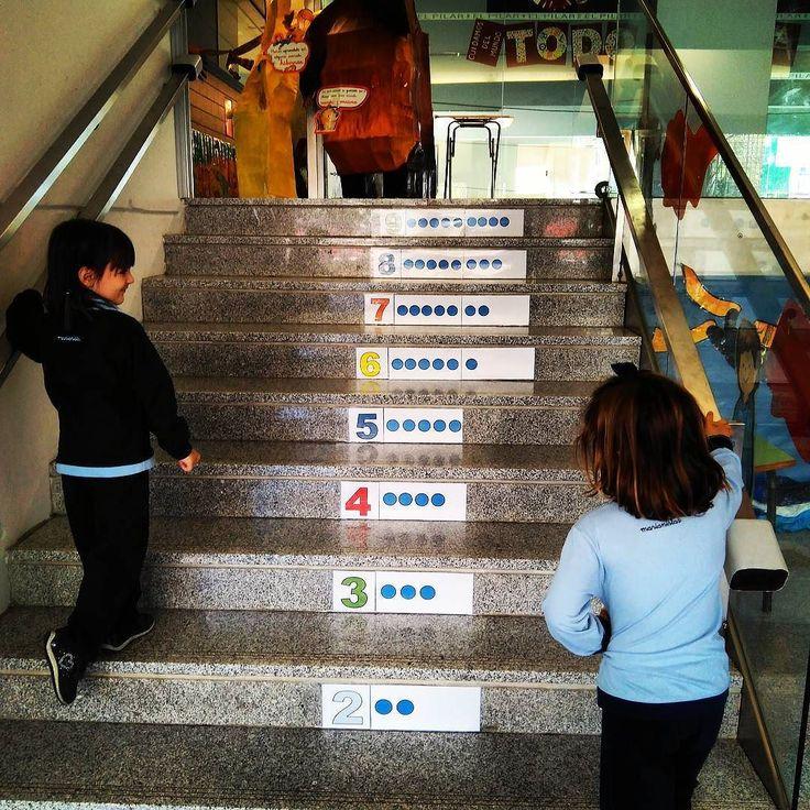 Las escaleras de INFANTIL nos enseñan a contar...Qué buena idea! #números #todoparatodos #elpilarvalencia  Infantilelpilar
