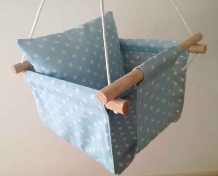 Baloiço textilstory by Textilpuff  ❤❤❤❤❤❤45€❤❤❤❤❤❤ Portes incluídos!  Incluí bucha mecânica de fixação ao tecto e mosquetão. É só escolher a combinação têxtil que mais gosta!!!  (Tecido da loja Vidal Tecidos) #textilpuff #textilstory #bebé #maternidade #gravidez #babytoy #quartodecriança #babyroom #madeinportugal #handmade