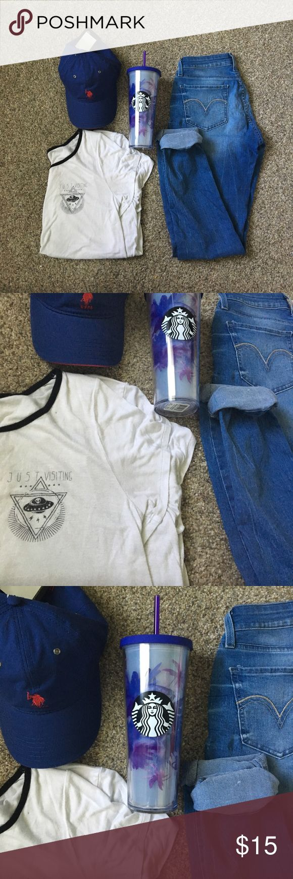"Palm tree 2017 Starbucks Tumblr NWT Chill and relax with a good cup of coffee in your NWT Starbucks 2017 Tumblr palm tree purple. Match along with high waisted Levi blue skinny jeans and a basic white Zumiez ""just visiting"" aliens tee and on top of that pretty head of yours a new with tags navy blue U.S. Polo baseball cap! ☀️☀️☀️ Size 18oz ? Its bigger than my Swell so i am basing logic off that. Starbucks Accessories"