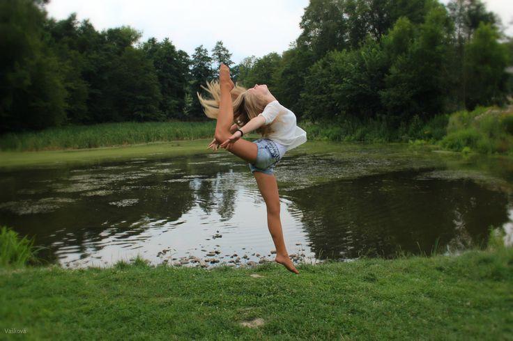 Adelka,gymnastics