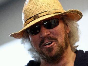 HAPPY BARRY: Barry Gibb was looking fresh and relaxed, and happy to be in Hawke's Bay, when he arrived in Napier last night. PHOTO/PAUL TAYLOR HBT123262-01