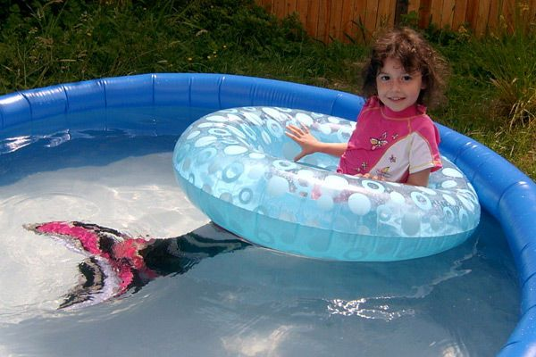 How to make a mermaid tail for children for swimming in 4 easy steps.