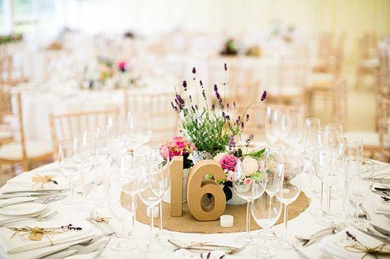 20 Beispiele für Blumen auf runden Tischen für die Hochzeit Bild 9