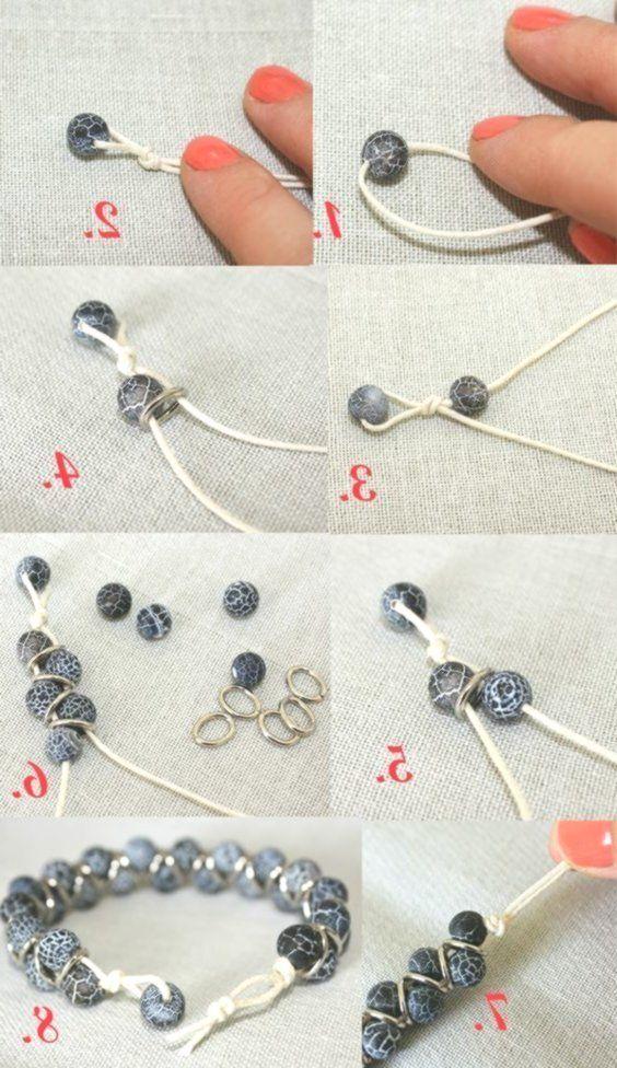 Perlen, Ringe, eine Schnur