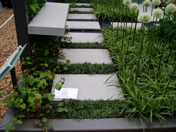 Chelsea Flower show 2005 dwarf mondo grass between paving