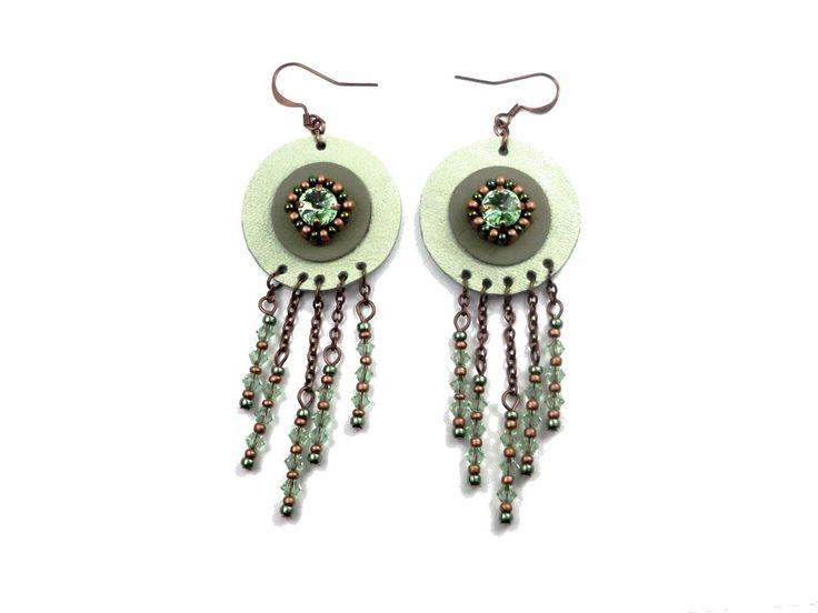 Boucles d'oreilles boho hippie chic cuir cuivre cristal verre camaïeu vert : Boucles d'oreille par bijouxdart