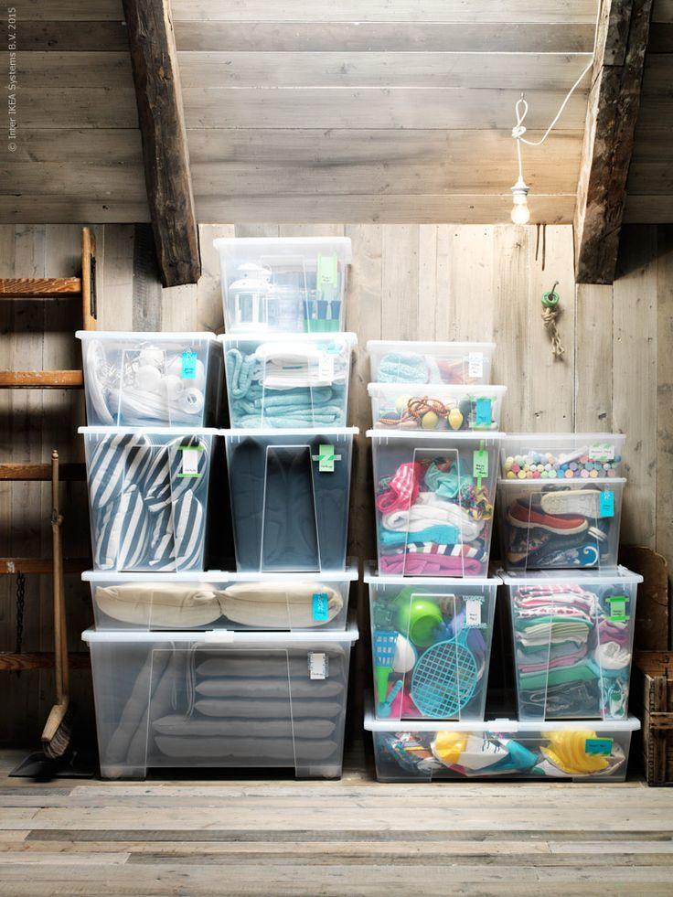 Plats för tomten på loftet! Utrymmeseffektiv förvaring med lådor ur SAMLA serie.
