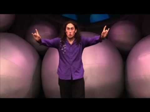 Hear Ross Noble's musings on Australian wildlife - kangaroos and emus :D