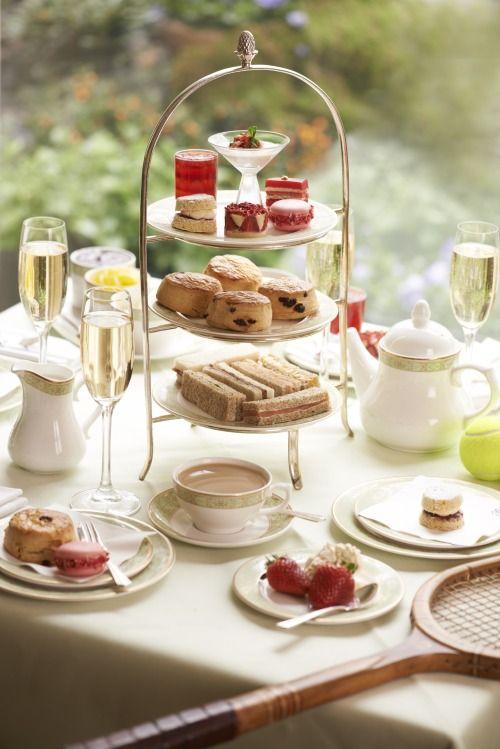 Afternoon Tea... Harrods in London (1983)