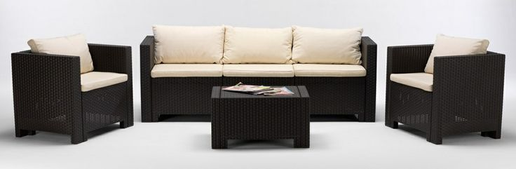 Synthetic rattan living room made in italy. Already included in the set are also removable cushions. There are several possible combinations and different sets: 2 armchairs with a small table, 2 armchairs, 2 seater sofa, coffee table 2 armchairs, 1 sofa 3 seater, coffee table http://www.idfdesign.com/patio-set/set-prat.htm [ #design #designfurniture #Produce ]