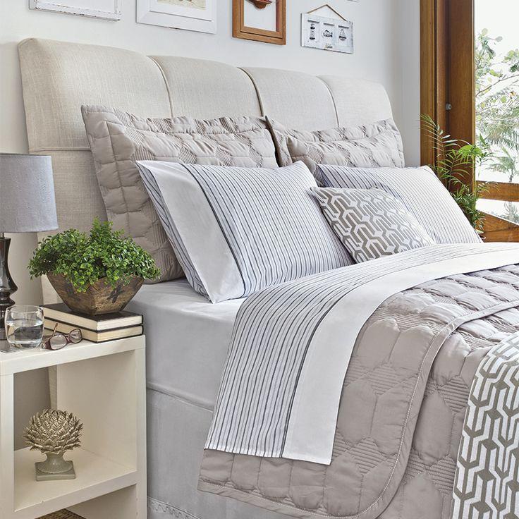 Jogo de cama com listras deixa a decoração mais informal e cool!