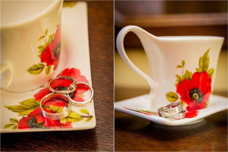 Poppy red wedding inspiration | Mirabelky.com