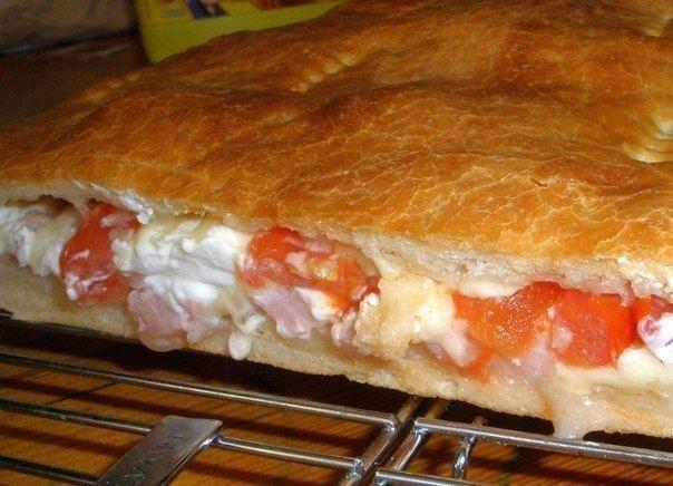 Фото к рецепту: Кальцоне (закрытая пицца)