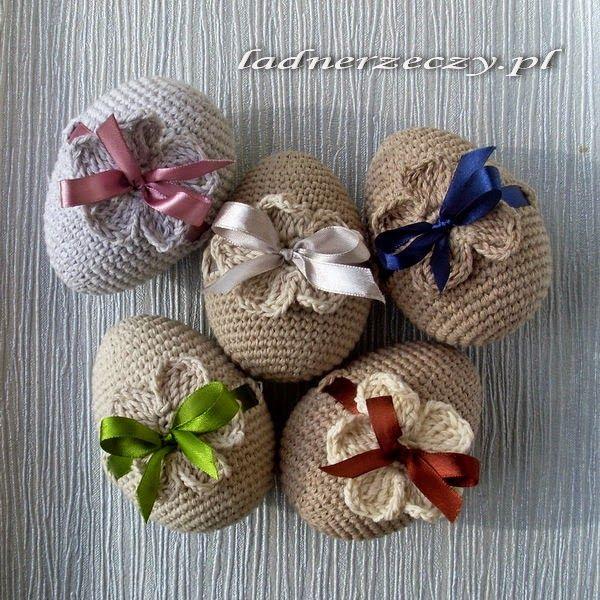 crocheted Easter Eggs ༺✿ƬⱤღ  http://www.pinterest.com/teretegui/✿༻