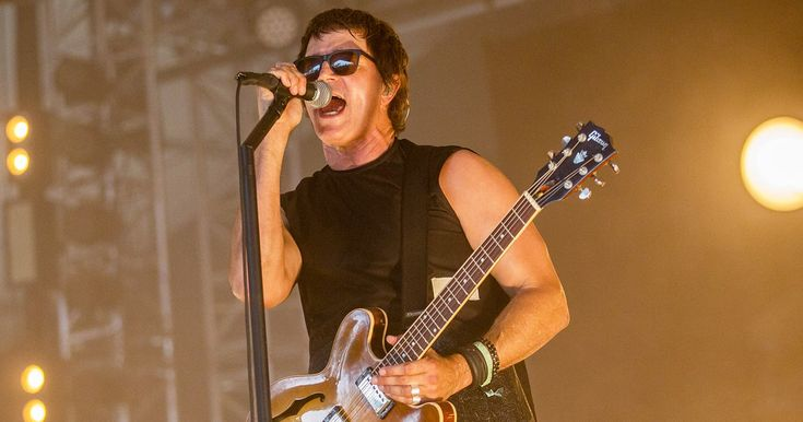 Third Eye Blind trolled the crowd filled with RNC attendees at their Cleveland concert on Tuesday, July 19 — watch